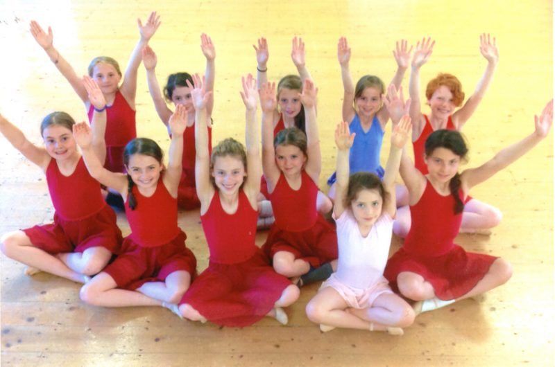 The junior dance group (Years 4 and 5)