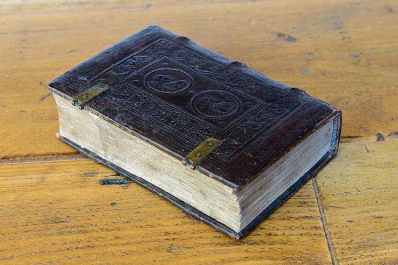 Engish panelled binding