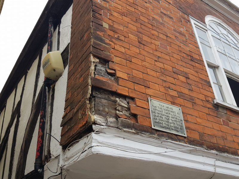 A decaying corner of Edward Jacob's house shows how the mathematical tiles were applied
